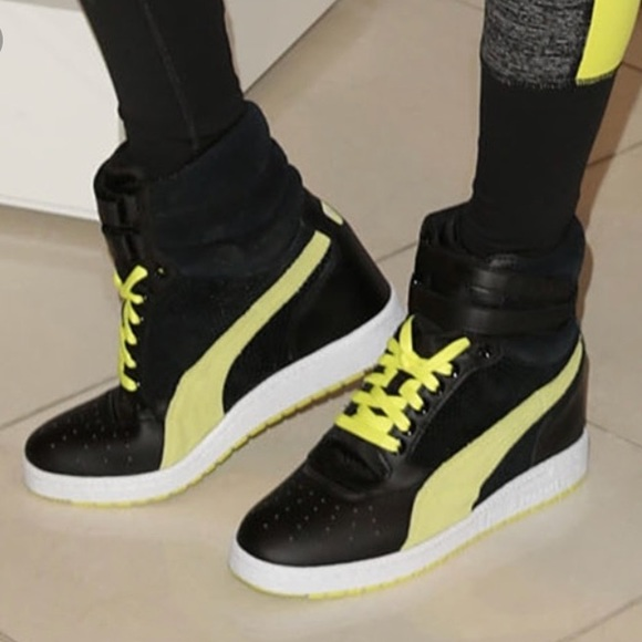 watch 4ed62 765c8 Puma Black & Fluorescent Yellow Sky Wedge Sneaker NWT